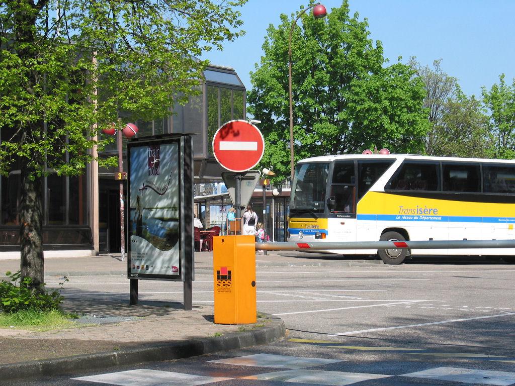 Barrière automatique de gare routière