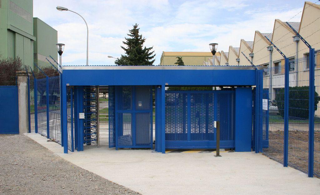 Portique d'accès sécurisé